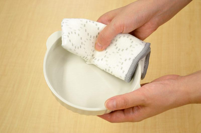 かや織りふきん_使用例2_食器拭き_KOKUBO小久保工業所