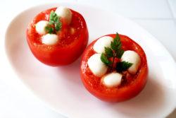 KK-475_ベジカップスプーン_レシピ01_トマトのベジカップカプレーゼ_KOKUBO小久保工業所